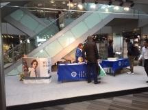 豊明市,中京競馬場前駅のカード販促スタッフの短期アルバイト【WワークOK】の写真