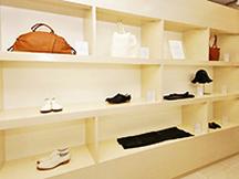新宿区,新宿駅のレディースファッション販売の短期アルバイト【WワークOK】の写真